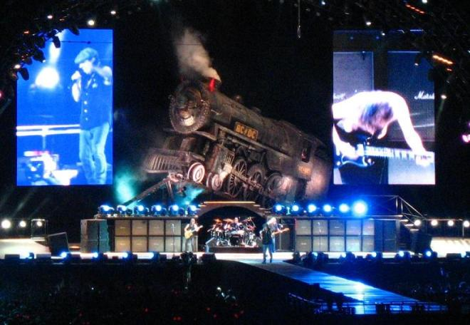 AC/DC-live-in-Bucharest-16-may